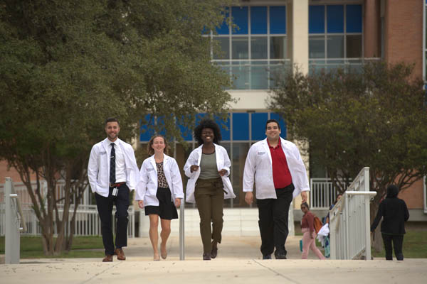 UIW Osteopathic Medicine students walking
